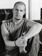 Alexander McQueen (Александр Маккуин)