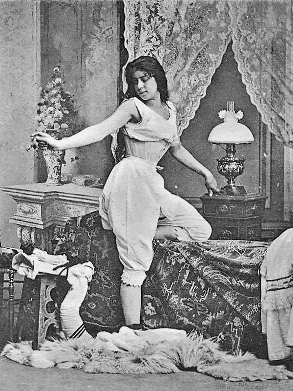 Самое первое женское нижнее белье: панталоны